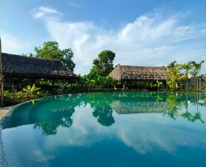 Mẫu Hồ Bơi Resort JAP